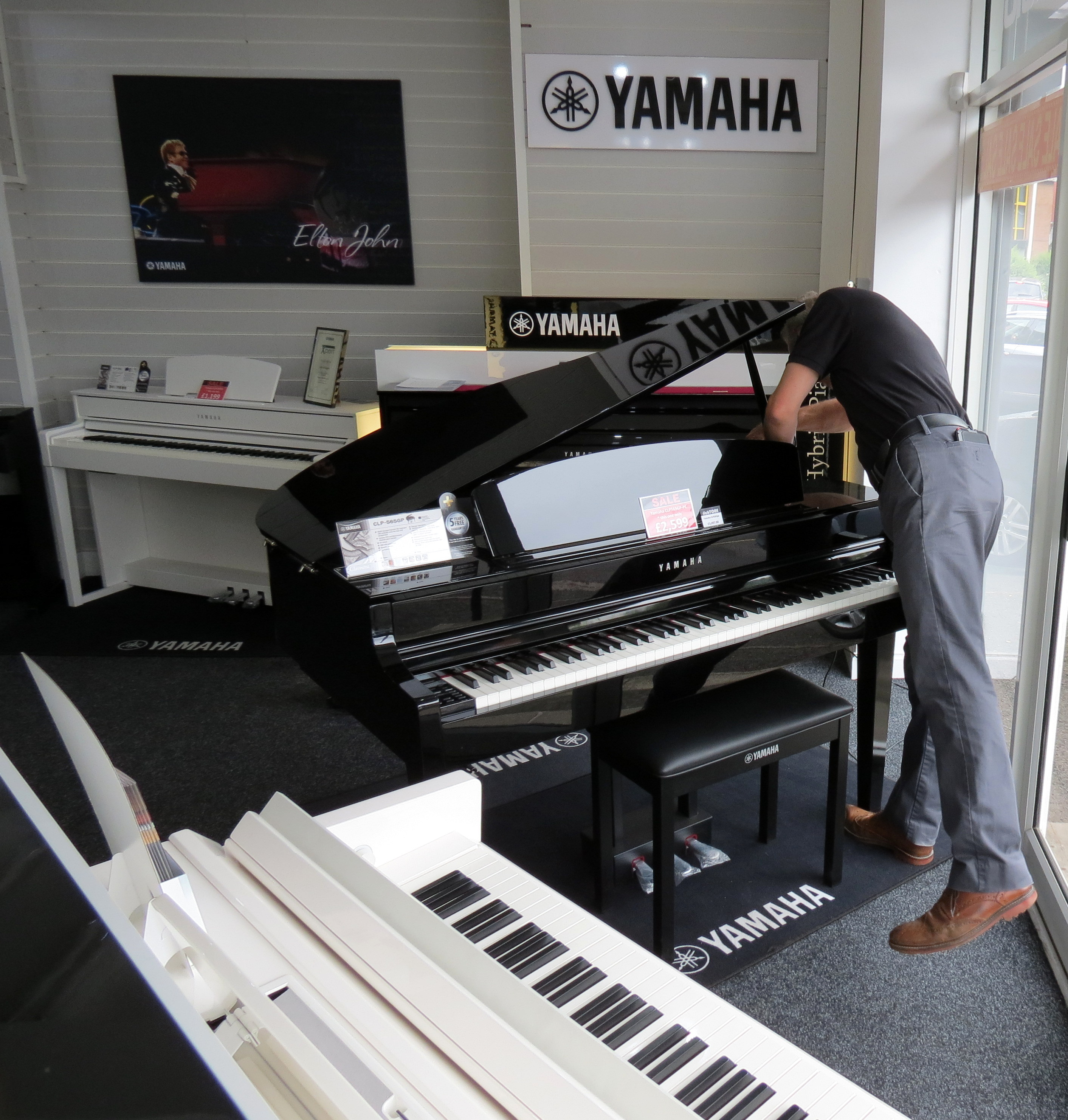 RM Electronic Services | Musical instrument repair for the